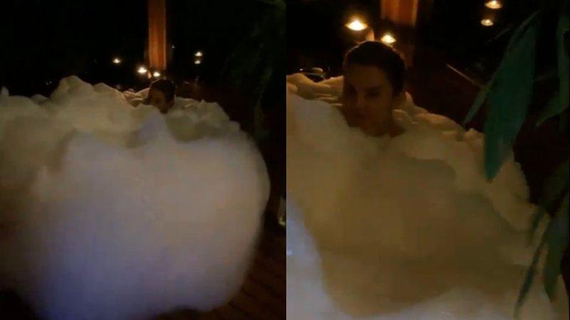Os dois compartilharam a diversão na banheira nas redes sociais