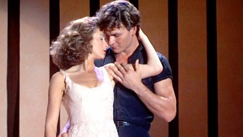 Jennifer Gray e Patrick Swayze em cena de Dirty Dancing, de 1987