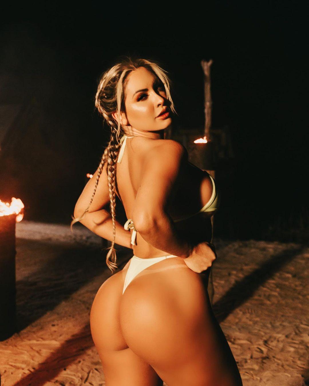 Iara Ferreira é Top 5 do OnlyFans