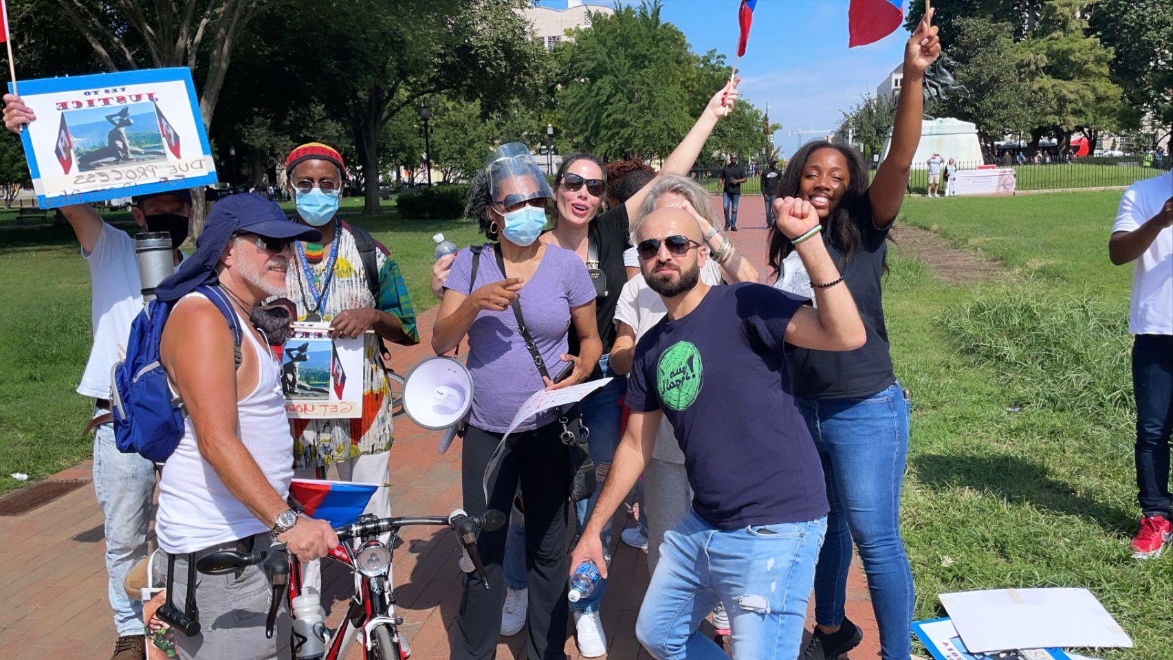 Ju Isen protesta contra Bolsonaro nos Estados Unidos - Foto: Reprodução/CO Assessoria