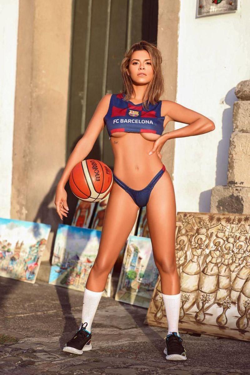 Luana Sandien vai leiloar calcinha que usou em ensaio da Playboy