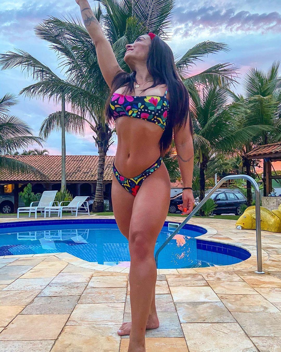 Monique Bertoli é atriz de pegadinhas da RedeTV!