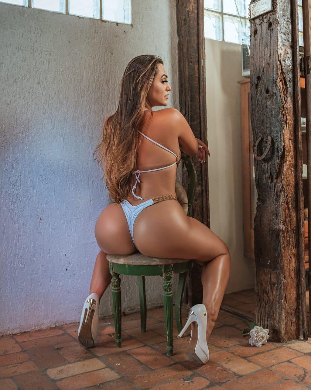 Suzana Simonet representa o Estado de Santa Catarina no Miss Bumbum 2021